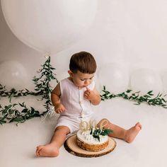 Boy Birthday Pictures, Boys First Birthday Party Ideas, Wild One Birthday Party, Baby Boy First Birthday, First Birthday Photos, First Birthday Photography, 1st Birthday Photoshoot, Birthday Cake Smash, Kobe