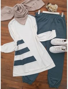 #outfits #hijab #hijabfashion #hijabstyle #hijaboutfit #hijabtutorial #muslim Stylish Dresses For Girls, Frocks For Girls, Cute Dresses, Muslim Fashion, Hijab Fashion, Fashion Outfits, Fashion Hacks, Fashion Tips, Girls Frock Design