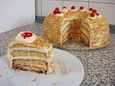 Frankfurter Kranz | Rezept auf Deutsch | Recipe is in German (Can use google chrome button to translate) My Grandma used to make these a lot. I love these
