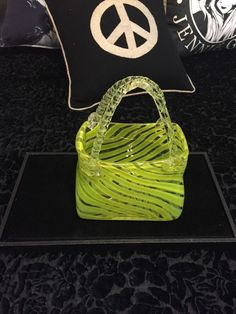 VINTAGE MURANO STYLE HAND BLOWN DECORATIVE ART GLASS PURSE GREEN Chartreuse