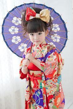 3-11昔柄奴(むかしがらやっこ) Kids Around The World, We Are The World, Traditional Japanese Kimono, Traditional Dresses, Precious Children, Beautiful Children, Geisha, Japanese Kids, Native Wears