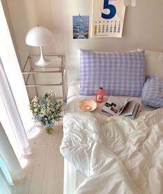 Room Ideas Bedroom, Bedroom Inspo, Bed Room, Room Ideias, Minimalist Room, Pretty Room, Aesthetic Room Decor, Cozy Room, My New Room