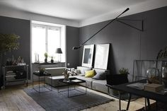 Black Wall Interior Color Living Room Make House Interior More Elegant With Shades Plus Black Carpet Room Paint Color Design for Your Sweet Home Interior Design Gray Interior, Apartment Interior Design, Home Interior, Interior Architecture, Scandinavian Interior, Scandinavian Living, Living Room Grey, Home And Living, Modern Living
