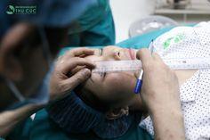Cắt mắt 2 mí có đắt không. Tôi có tìm hiểu và biết dịch vụ cắt mí mắt của Bệnh viện Thu Cúc. Phiền bác sĩ cho tôi biết cắt mí mắt có nguy hiểm không, có làm ảnh hưởng đến thị lực của mắt không  http://bammithammy.com/tu-van/cat-mi-mat-co-nguy-hiem-khong.html  bấm mí hàn quốc giá bao nhiêu  http://bammithammy.com/tu-van/bam-mi-han-quoc-gia-bao-nhieu.html  bấm mí mắt giá bao nhiêu  http://bammithammy.com/tu-van/bam-mi-mat-gia-bao-nhieu.html