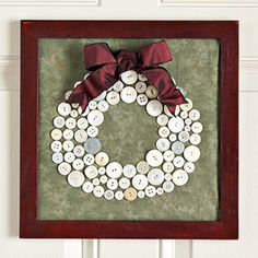 DIY gifts buttons christmas wreath