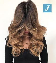 Non possiamo stupirvi con effetti speciali, abbiamo solo il Degradé Joelle e il Taglio Punte Aria! #cdj #degradejoelle #tagliopuntearia #degradé #igers #musthave #hair #hairstyle #haircolour #longhair #ootd #hairfashion #madeinitaly #wellastudionyc