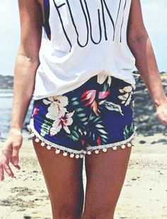 love the short and its flower prints