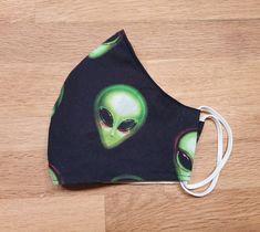 Es gibt noch ein paar Masken - in Kinder- und Erwachsenengrößen Cat Ears, In Ear Headphones, Ebay, Cats, Masks Kids, Protective Mask, Weird, Branding, Handmade