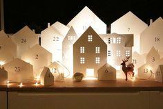 Ideas diy christmas village advent calendar for 2019 Diy Christmas Village, Christmas Villages, Noel Christmas, All Things Christmas, Winter Christmas, Christmas Crafts, Christmas Decorations, Xmas, Navidad Diy