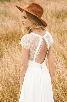 Rembo styling — 2017 Collection — Aimee: Lovely lace cap sleeves and a subtle v-neckline. The back of this dress is an eyecatcher!