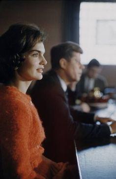 http://en.wikipedia.org/wiki/John_F._Kennedy      http://en.wikipedia.org/wiki/Jacqueline_Kennedy_Onassis    Mrs. John F. Kennedy gorgeous!   ❤❤