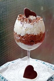 bounty tejberizs Desserts In A Glass, Sweet Desserts, Cookie Recipes, Dessert Recipes, Cake In A Jar, Eat Pray Love, Hungarian Recipes, Nutella, Food And Drink