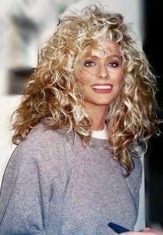 Farrah Fawcett is on Charlies Angels Santa Monica, Farrah Fawcett, Corpus Christi, Flawless Beauty, Great Hair, Dame, Blond, Curly Hair Styles, Cool Hairstyles