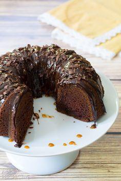 Easy Baileys Irish Cream Bundt Cake #cake #bundtcake #baileysirishcream