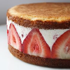Mascarpone cream and chunks of fresh strawberries are sandwiched between two layers of lime-flavored sponge cake - simple and elegant.