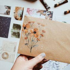Decorate Envelope by Using Gouache Journal D'art, Bullet Journal, Art Journals, Mail Art Envelopes, Paper Art, Paper Crafts, Pen Pal Letters, Illustration Blume, Envelope Art