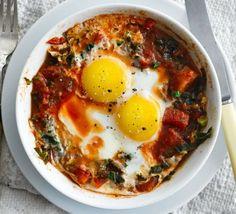 Microwave kale & chilli eggs