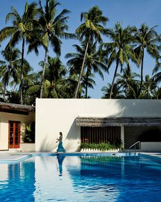 La piscina del Bayview Beach Resort en la playa Ngapali en Birmania