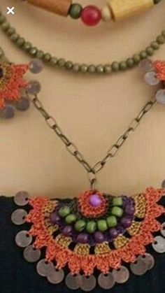 "MaLiz CrochetArt on Instagram: ""#pinterest #crochet #manda Love Crochet, Bead Crochet, Filet Crochet, Crochet Lace, Textile Jewelry, Fabric Jewelry, Diy Necklace Bracelet, Crochet Necklace, Crochet Designs"