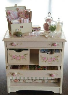Mini Shabby Dresser.