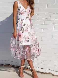 Sum All Chic, Shop Pink Floral Print V-neck Elegant Grenadine Organza Elegant Casual Maxi Dress online. Elegant Dresses For Women, Party Dresses For Women, Sexy Dresses, Beautiful Dresses, Casual Dresses, Elegant Summer Dresses, Flattering Dresses, Dress Summer, Summer Outfits