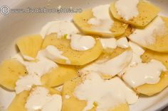 CARTOFI CU SMANTANA SI USTUROI (DAUPHINOISE) | Diva in bucatarie Main Menu, Cooking Ideas, Camembert Cheese, Recipes, Food, Sweets, Recipies, Essen, Meals