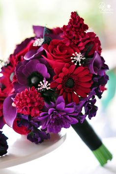Purple Wedding Flowers wedding bouquets for bridemaids Red Purple Wedding, Red Bouquet Wedding, Purple Wedding Flowers, Wedding Colors, Bride Bouquets, 1920s Wedding, Fall Wedding, Dream Wedding, Trendy Wedding