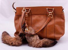 Сумка Gucci кожаная с лисьим меховым хвостом коричневая. Размер 35х25х10см #19355