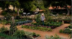 LOVE the garden from the movie 'it's complicated'