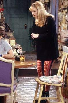 3da23c21b3 40 Phoebe Buffay Fashion Moments You Forgot You Were Obsessed With on  Friends Friends Phoebe