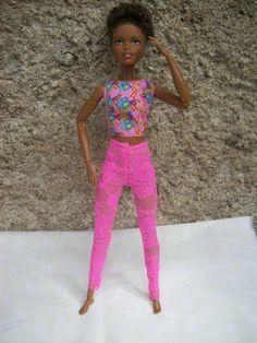 Krajkové+legíny+pro+Barbie+Legíny+jsou+ušité+z+elastické+krajky.Pouze+jeden+kus.