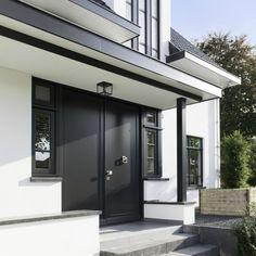 http://leemwonen.nl/interieur-i-binnenkijken-verbluffende-metamorfose-jaren30-woning/ #villa #vrijstaandevilla #metamorfose #verbouwing #architecture #architectuur #exterior #gevel #interior #interiordesign #tuin #tuinontwerp #garden #outdoor www.boxxisarchitecten.nl