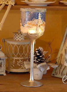 Christmas candle holder from the glass to make a hand-made article crafts crafts with their hands + cra Home Crafts, Crafts For Kids, Christmas Decoupage, Decoupage Art, Decoupage Ideas, Christmas Candle Holders, Bottle Art, Wine Glass, Projects To Try