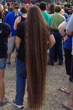 Long hair down to the ground Rapunzel Hair, Long Brown Hair, Super Long Hair, Silky Hair, Beautiful Long Hair, Shoulder Length Hair, Dream Hair, Photos Of Women, Female Images