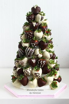 Chocolate strawberries tower