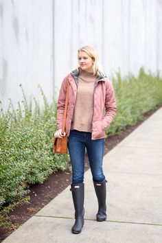 how to wear Hunter boots in winter, fashion blog, Treats and Trends, Nordstrom Anniversary Sale, Stylish Rain Boots
