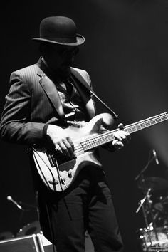 Les Claypool of Primus Music Icon, My Music, Chris Corner, Les Claypool, Play That Funky Music, The Boogie, Playing Guitar, Rock Music, Vinyl Records