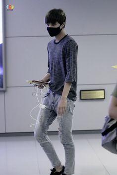 Kai - 140831 Incheon Airport, arrival from Guangzhou Credit: EXOYeah. (인천공항 입국)