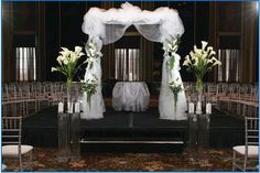 Surround yourself with your wedding guests with this nontraditional ceremony design! Available at your Pittsburgh area wedding with the help of Calla Event, Design. and Travel! Pennsylvania Weddings.  Get more info at http://callaeventdesign.squarespace.com