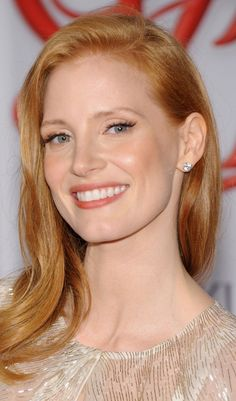 Jessica Chastain Health And Beauty Redhead Makeup Jessica Chastain, Redhead Makeup, Hair Makeup, Actress Jessica, Corte Y Color, Gorgeous Redhead, Strawberry Blonde, Beautiful Actresses, Redheads