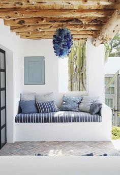 Une maison contemporaine hommage aux artisans d' Ibiza – PLANETE DECO a homes world A contemporary house paying homage to Decor, House Design, European Home Decor, Mediterranean Interior Design, House Interior, Contemporary House, Mediterranean Decor, Beach House Design, Interior Design