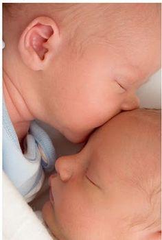 Mellizos recien nacidos | Embarazo | Bebes
