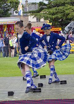 On the left - kilt with royal blue jacket #cunningham #royal #tartan