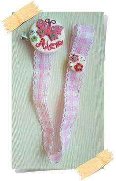 Mariposa personalizada. Rosa palo. Chupetero de arcilla polimerica, pinza metalica forrada y cosido a mano.