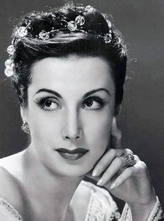 http://en.wikipedia.org/wik...  Toumanova is of Armenian and Polish descent.