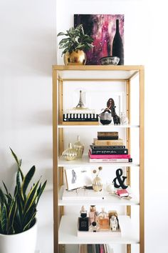 DIY: IKEA hack shelf, modern minimal glam apartment decor