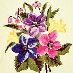 Beaded Cross Stitch, Cross Stitch Borders, Cross Stitch Rose, Cross Stitch Flowers, Cross Stitch Embroidery, Cross Stitch Patterns, Pearl Crafts, Christmas Cross, Amazing Flowers