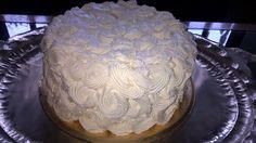 Torta de vainilla con crema de manteca