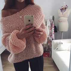 Pretty pink knitted top. Pattern ???
