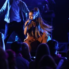 """Ariana Grande's San Jose Concert Stop Proved To Be A """"Real Mess"""" - http://oceanup.com/2017/03/28/ariana-grandes-san-jose-concert-stop-proved-to-be-a-real-mess/"""